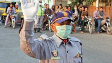 Photo of ٹریفک پولیس جہلم کی جانب سے ٹریفک قوانین آگاہی کیمپ کا انعقاد، شہریوں میں آگاہی پمفلٹ تقسیم کئے گئے