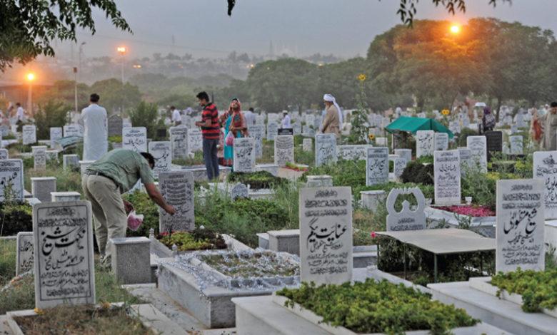 Photo of 'میری لاش نکال کر کہیں اور منتقل کردیں' مردہ شخص کی رشتہ داروں سے خواب میں ملاقاتیں، پھر قبرکھودی گئی تو۔۔۔