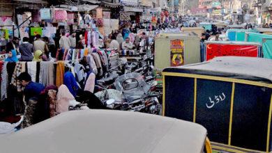 Photo of میونسپل کارپوریشن جہلم کی عدم توجہی کے باعث سڑکیں ریڑھی بازاروں میں تبدیل
