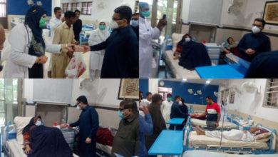 Photo of عید الفطر؛ ڈپٹی کمشنرکا سول ہسپتال جہلم کا دورہ، مریضوں میں مٹھائی اور تحائف تقسیم کئے