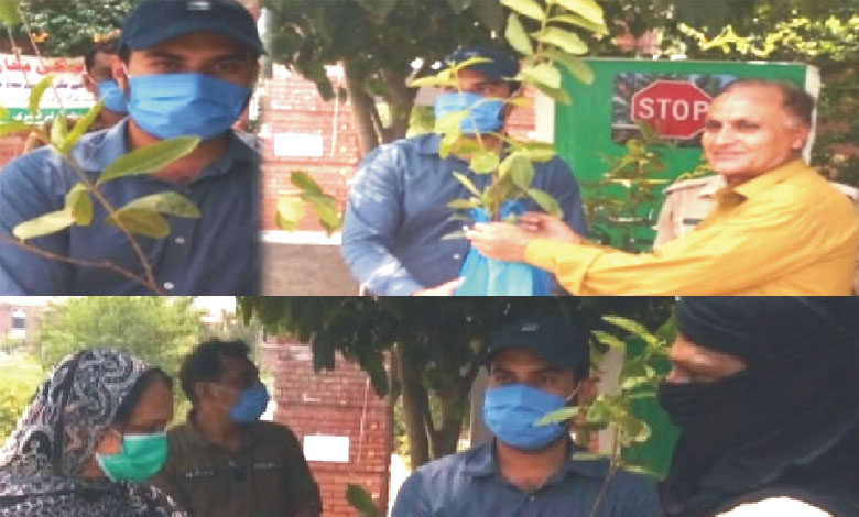 Photo of محکمہ جنگلات سوہاوہ کی جانب سے شہریوں میں 500 سے زائد مفت پودے تقسیم کیے گئے