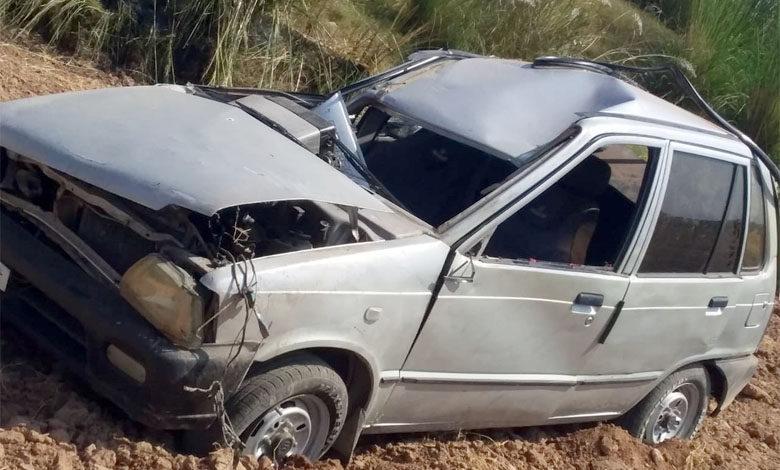Photo of ڈومیلی کے علاقہ رسولپور میں کار تیز رفتاری کے باعث الٹ گئی، 4 افراد شدید زخمی